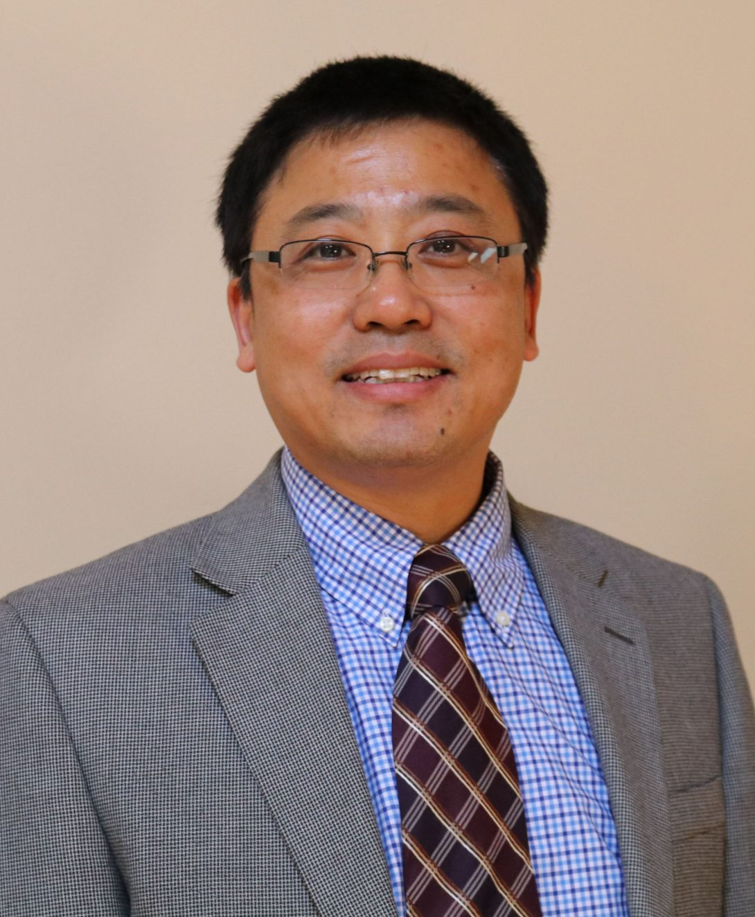 Dr. Xincheng Yao is the Principle Investigator for the Biomedical Optical Imaging and Functional Laboratory housed at the Lions of Illinois Eye Research Institute.